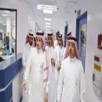 الدكتور الحفظي والمهندس على مسفر يفتتحان حملة التبرع بالدم بمستشفى عسير