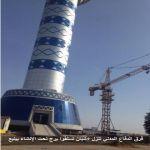 فرق الدفاع المدني تنزل 5شبان تسلقوا برج تحت الإنشاء بينبع