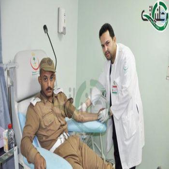 رجال الأمن يدعمون مستشفى الولادة والأطفال بالقصيم بفصائل الدم النادرة ومدير المستشفى يثني عليهم