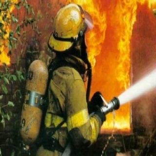 مدني عسير:وفاة طفلة (6) أعوام ونجاة عاملة منزلية و(5) أطفال اخرين في حريق منزل بحي الكهرباء بخميس مشيط