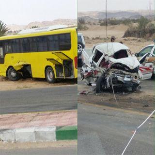خمس وفيات و(12) إصابة بحادثين بعسير أحدهم باص طالبات