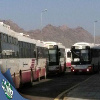 سائقي نقل طالبات جامعة الملك خالد بتهامة تحت مطرقة الشركة المتعهدة