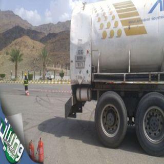 مدني الباحة يغلق عقبة الباحة بعد بلاغ عن تسرب غاز من ناقلة