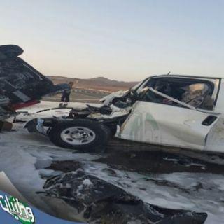 #هلال_المدينة: وفاة #معلمة وإصابة (7) وسائقهن بحادث #تصادم صباح اليوم