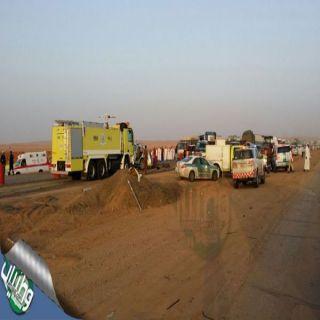 """بالصور - #الهلال_الأحمر """" (4)وفيات و(7)إصابات في حادث عائلة بطريق #القصيم #الرياض"""