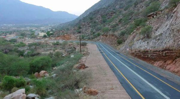 الطريق الرابط بين مركز ثلوث المنظر وقُرى وادي الخير