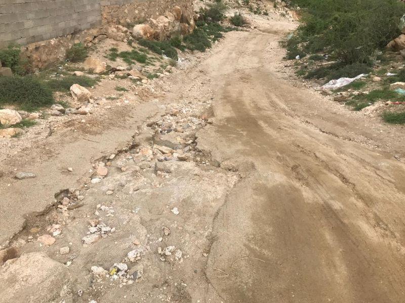 طريق إحدى المنازل بقرية المرداء بوادي الخير